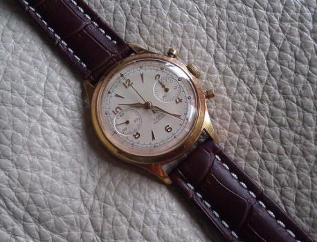 Montre à chronomètre Venus 188